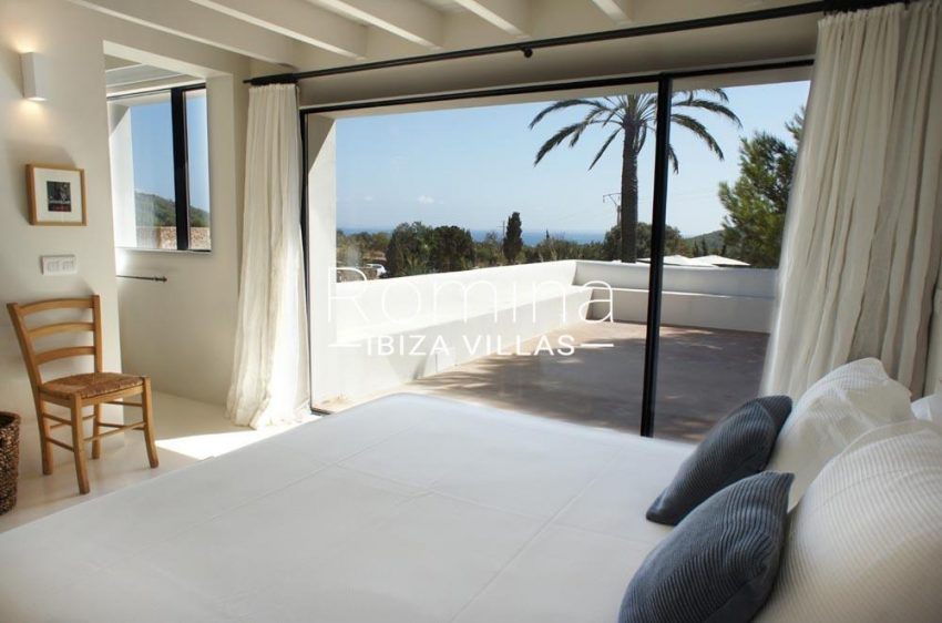 casa nema ibiza-4bedroom upper floor sea view