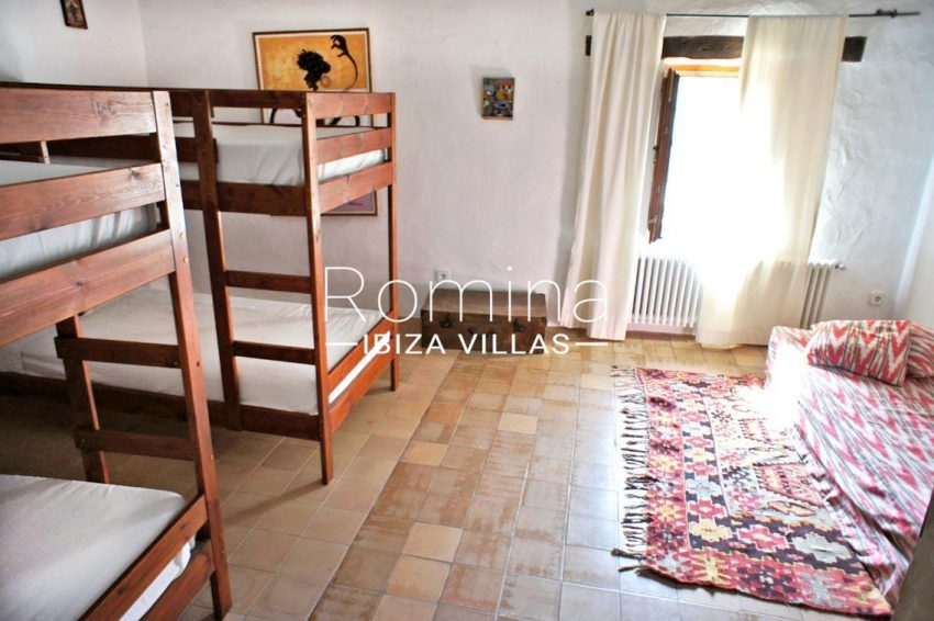 finca gibert ibiza-4bedroom bunk beds
