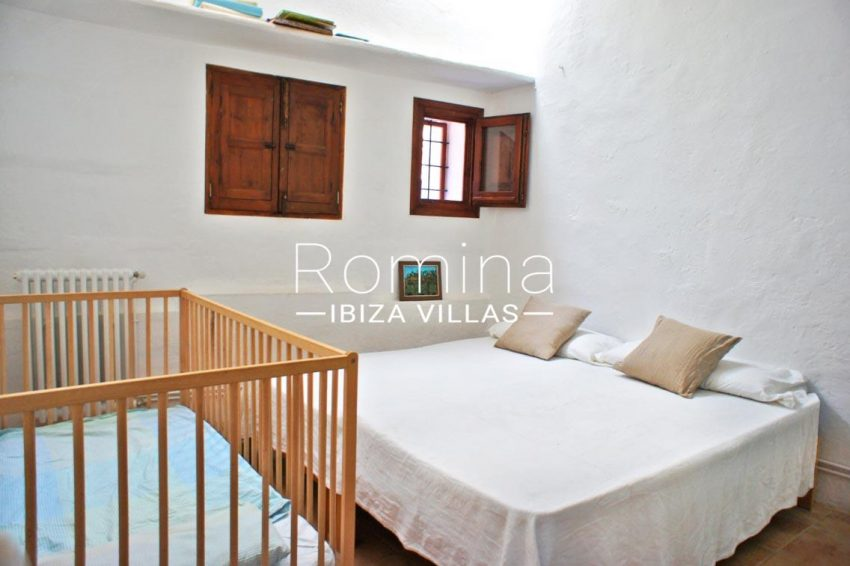 finca gibert ibiza-4bedroom1