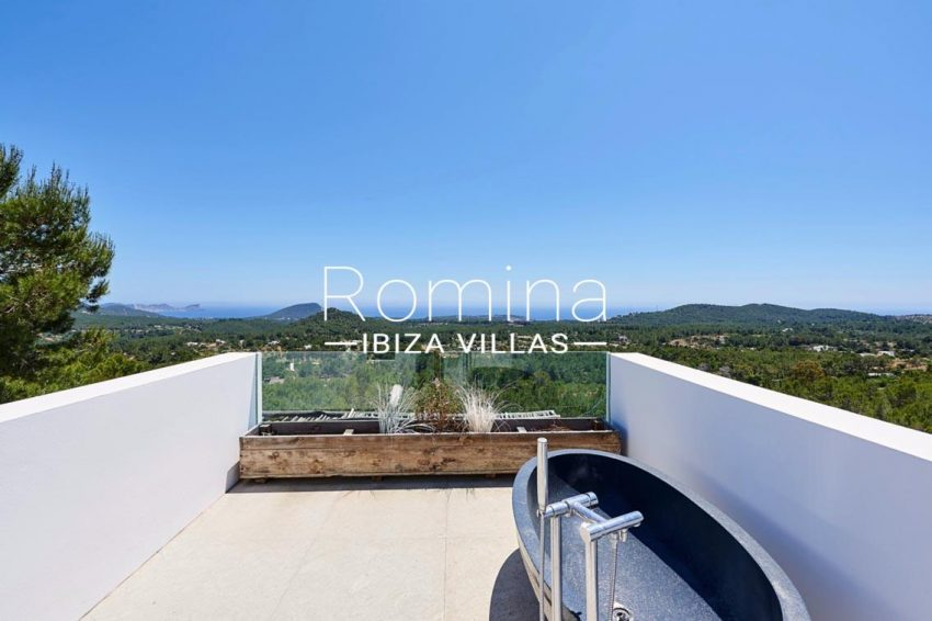 villa adelfa ibiza-1terrace bathtub sea view