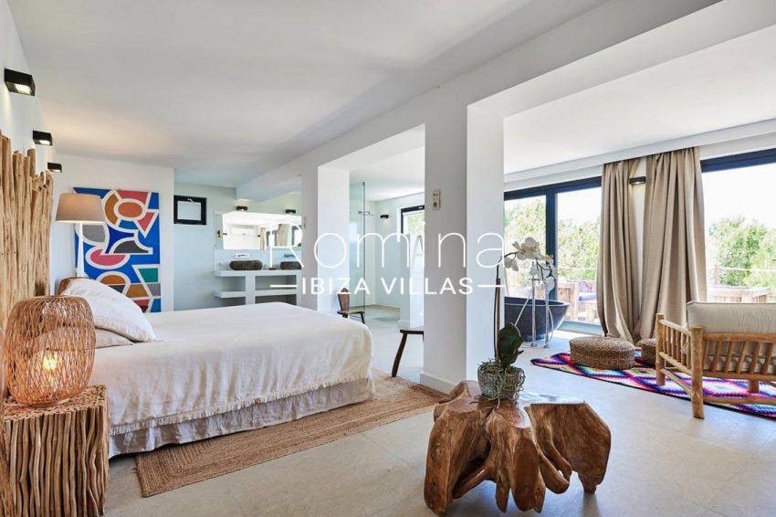 villa adelfa ibiza-4bedroom bathtub4