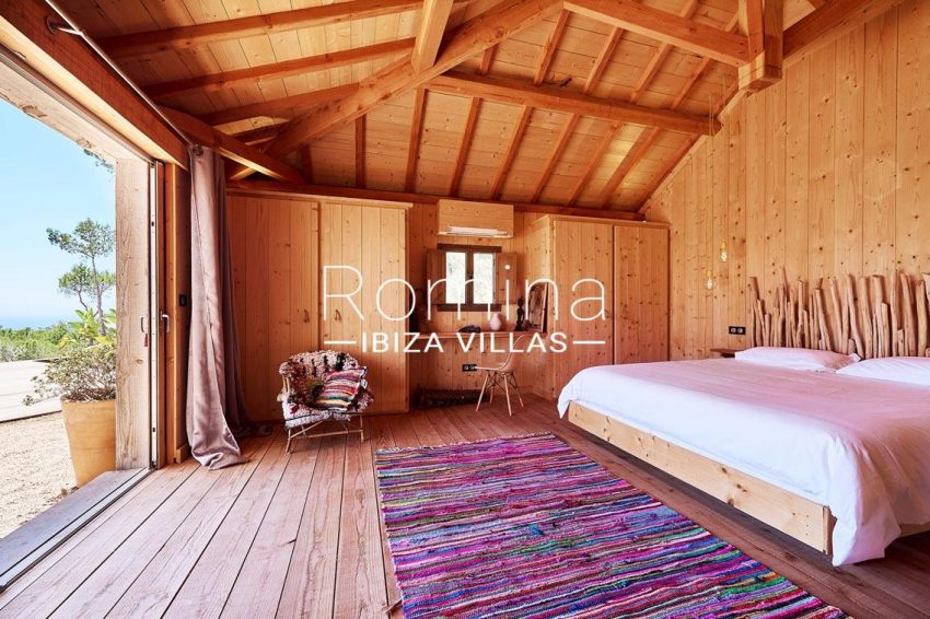 villa adelfa ibiza-4bedroom wooden house