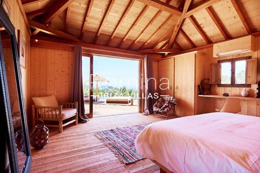 villa adelfa ibiza-4bedroom wooden house terrace
