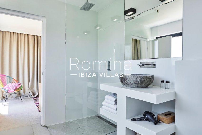 villa adelfa ibiza-5shower room bedroom3