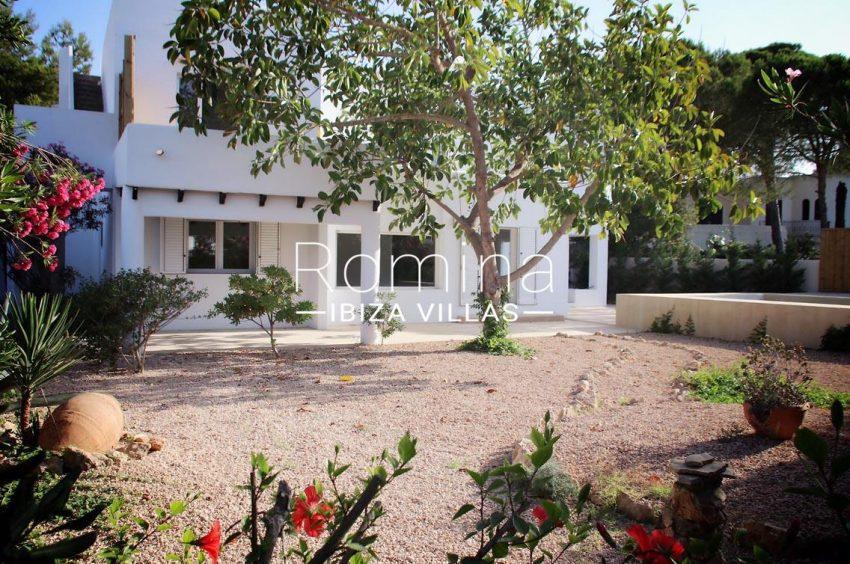 villa amnis ibiza-2facade garden