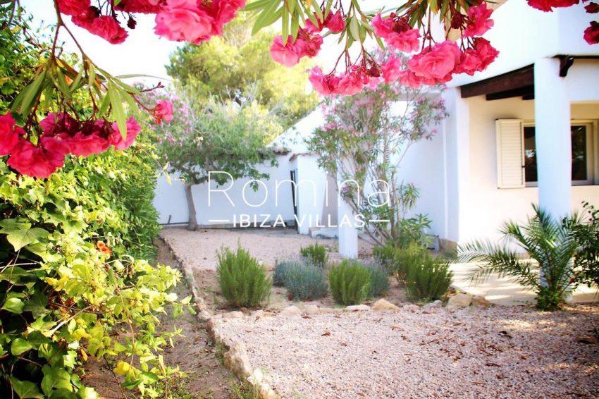 villa amnis ibiza-2garden porche
