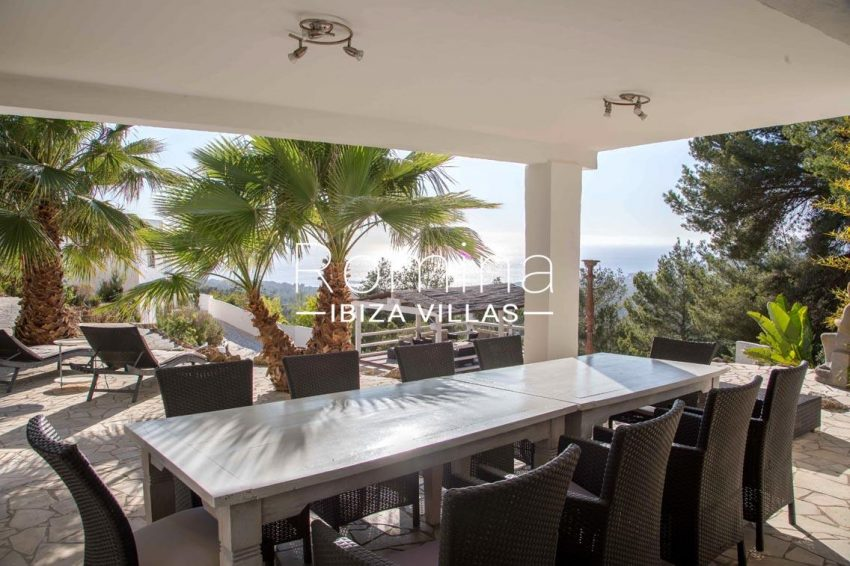 villa illes ibiza-1covered terrace diningara sea view