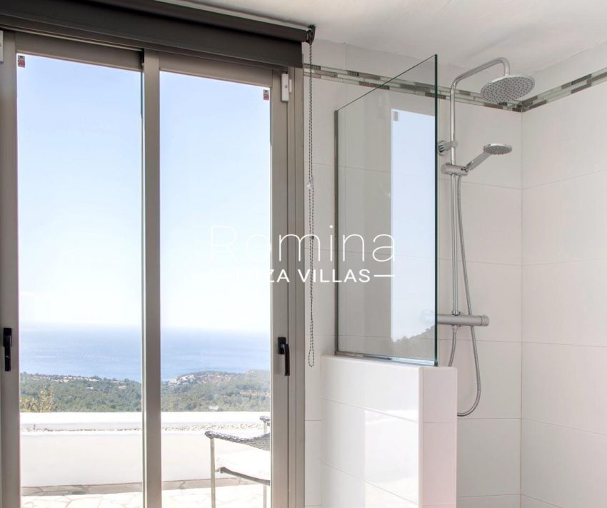 villa illes ibiza-5shower room sea view