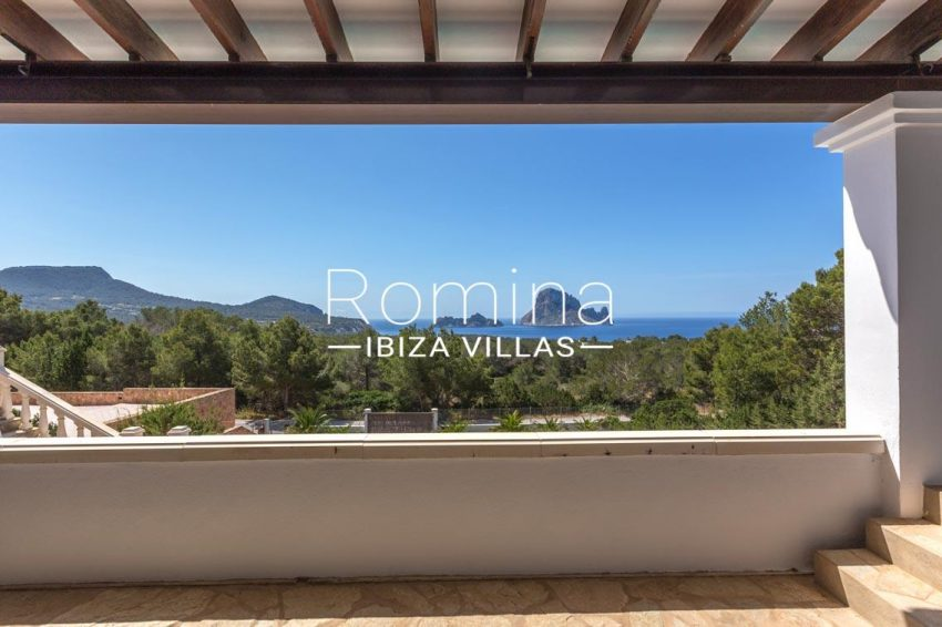 villa lyze ibiza-1covered terrace sea view vedra
