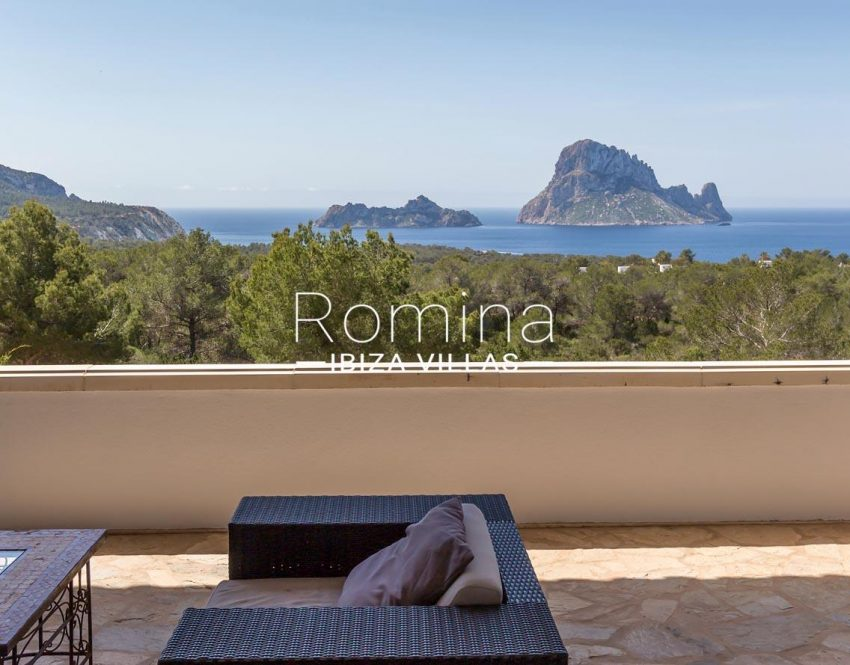 villa lyze ibiza-1terace living area sea view vedra