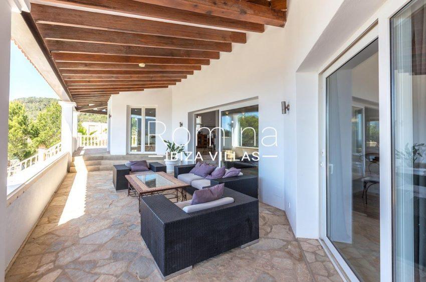 villa lyze ibiza-2terrace living area