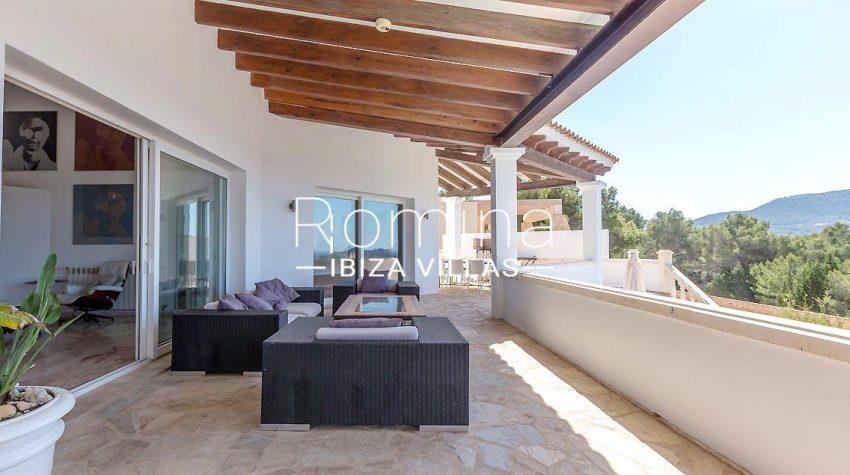 villa lyze ibiza-2terrace sitting dining area2