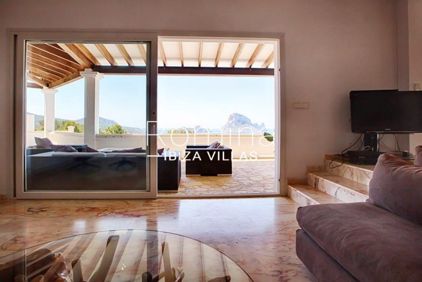 villa lyze ibiza-3living room sea view vedra