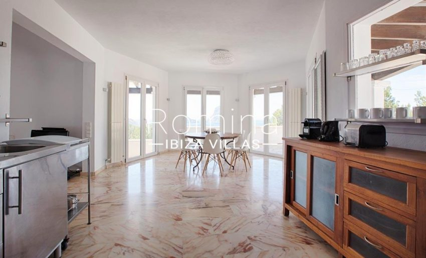 villa lyze ibiza-3zkichen dining room
