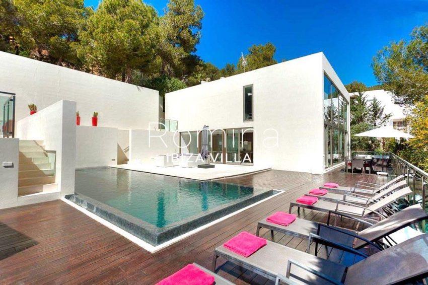 villa miska ibiza-2pool terrace sunbeds