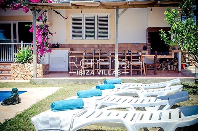 villa portico ibiza-2pool lawn porch