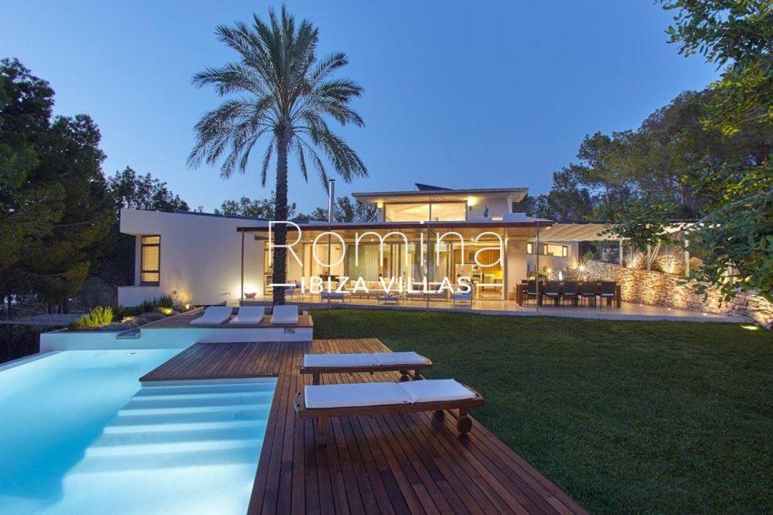 villa somchai ibiza-2pool facade lawn