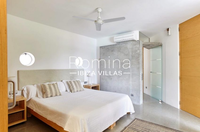 villa somchai ibiza-4bedroom1