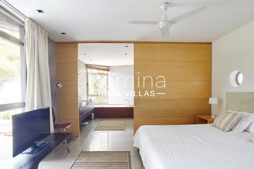 villa somchai ibiza-4bedroom1 bathroom
