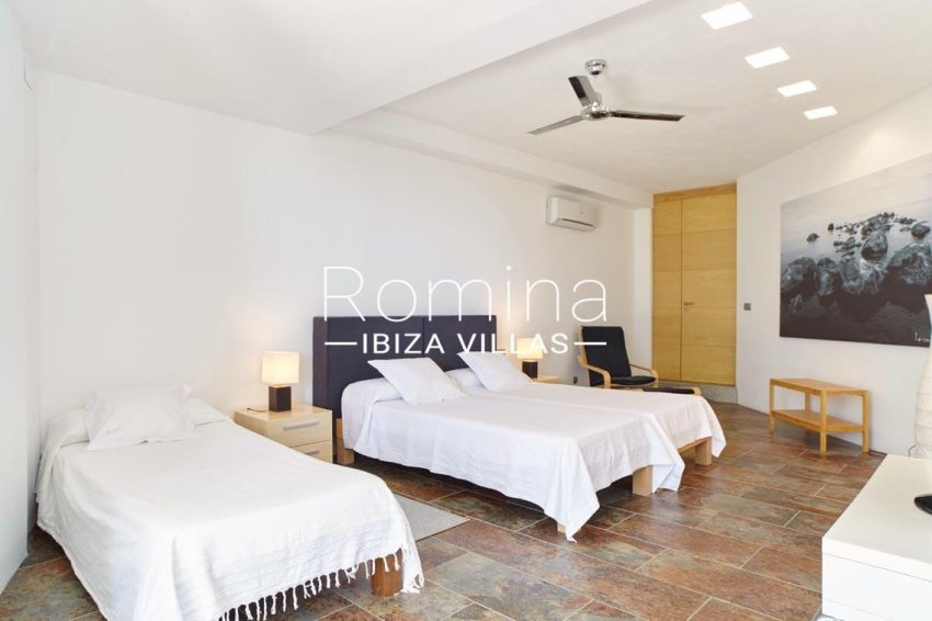 villa somchai ibiza-4bedroom2
