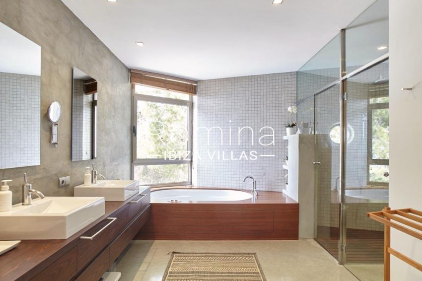 villa somchai ibiza-5bathroom