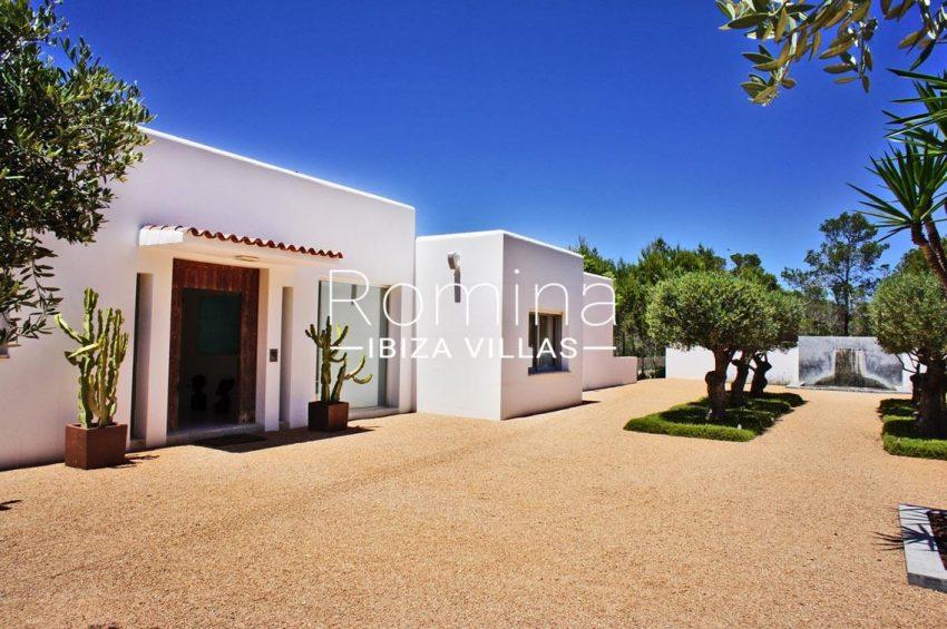 villa vallis ibiza-2entrance facade2