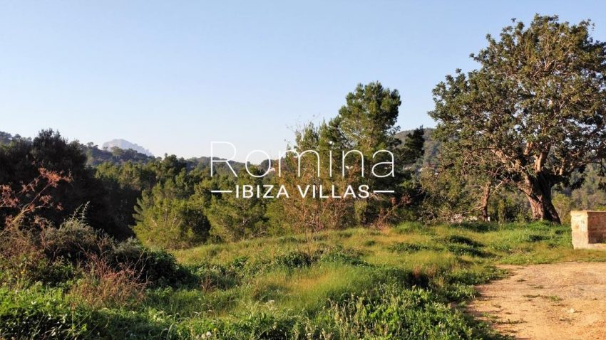 can mar ibiza-1plot view of es vedra summit