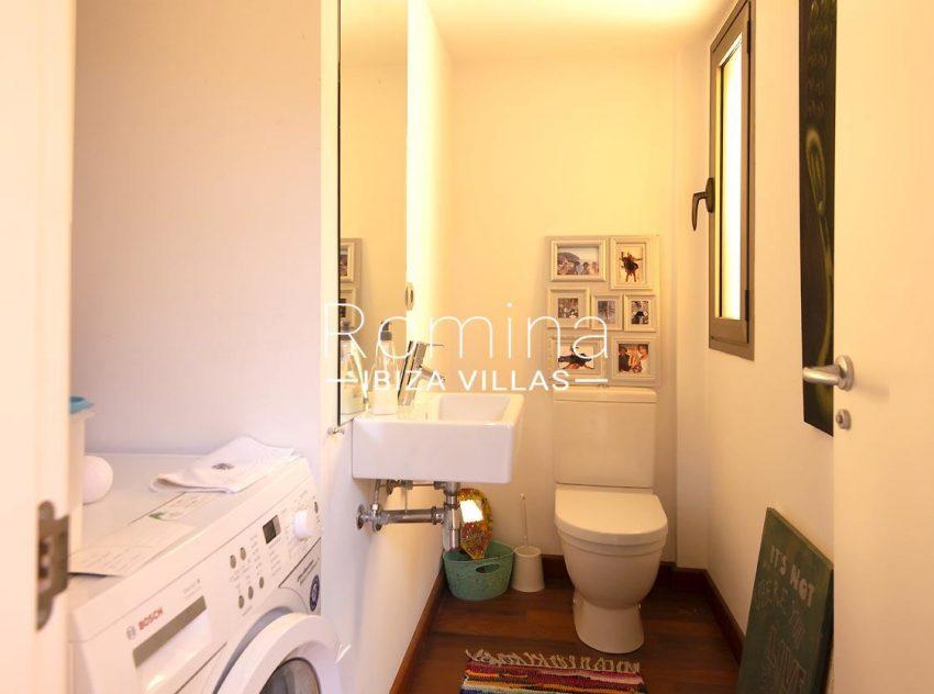 duplex dos mares ibiza-5laundry toilet