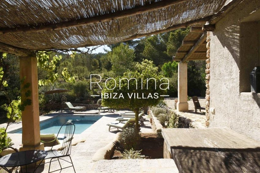 finca bridie ibiza-2pool pergola terrace2