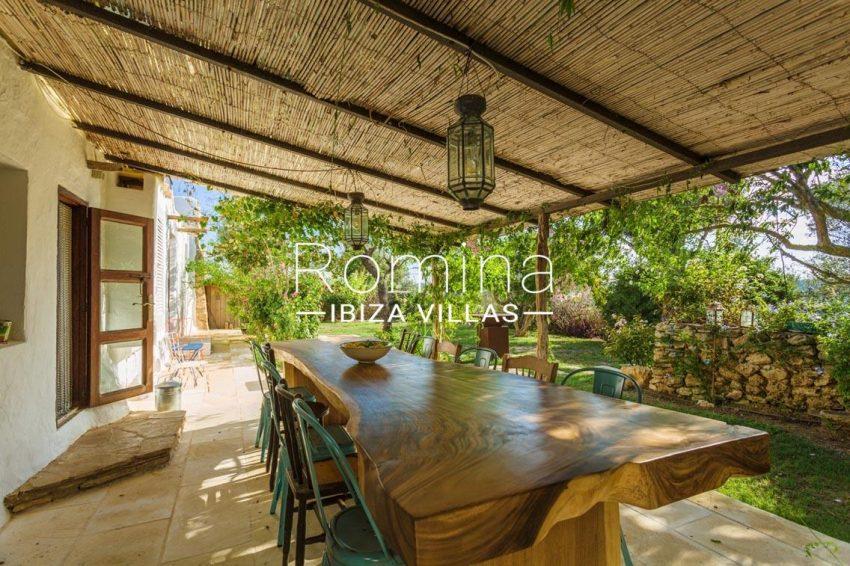 finca las rosas ibiza-2terrace pergola dining area1