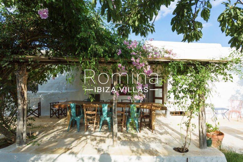 finca las rosas ibiza-2terrace pergola dining area2