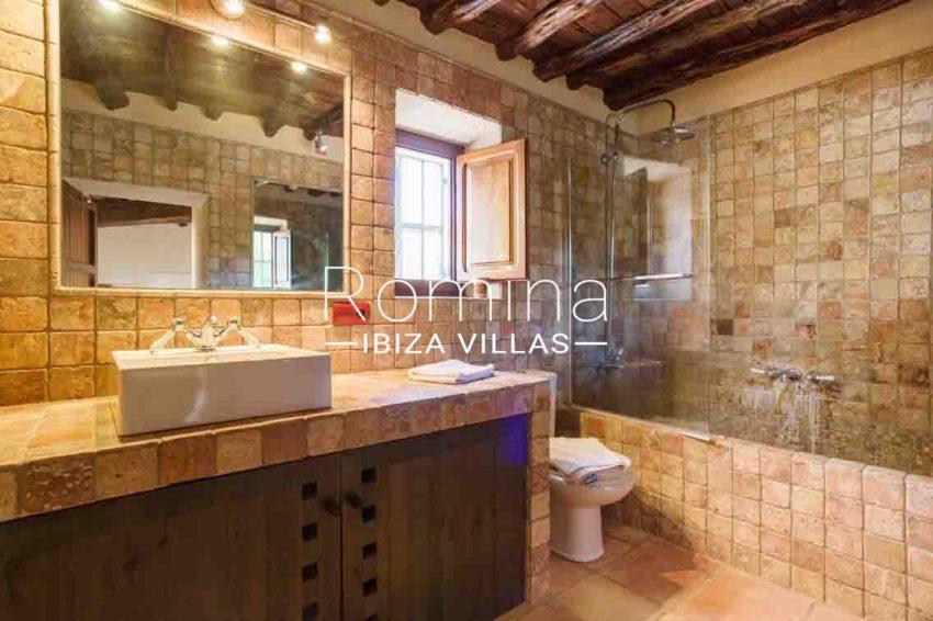 finca rafael ibiza-5bathroom