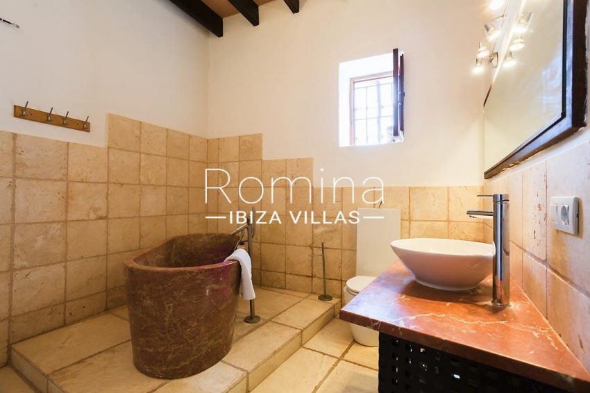 finca rafael ibiza-5bathroom2