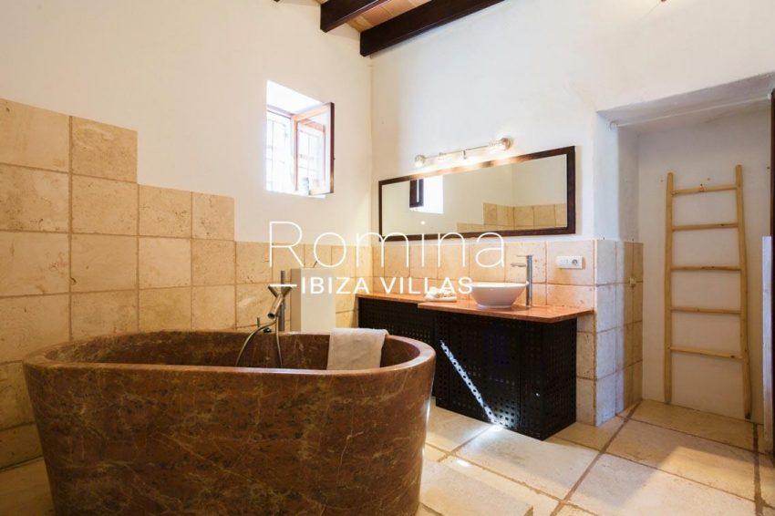 finca rafael ibiza-5bathroom2bis