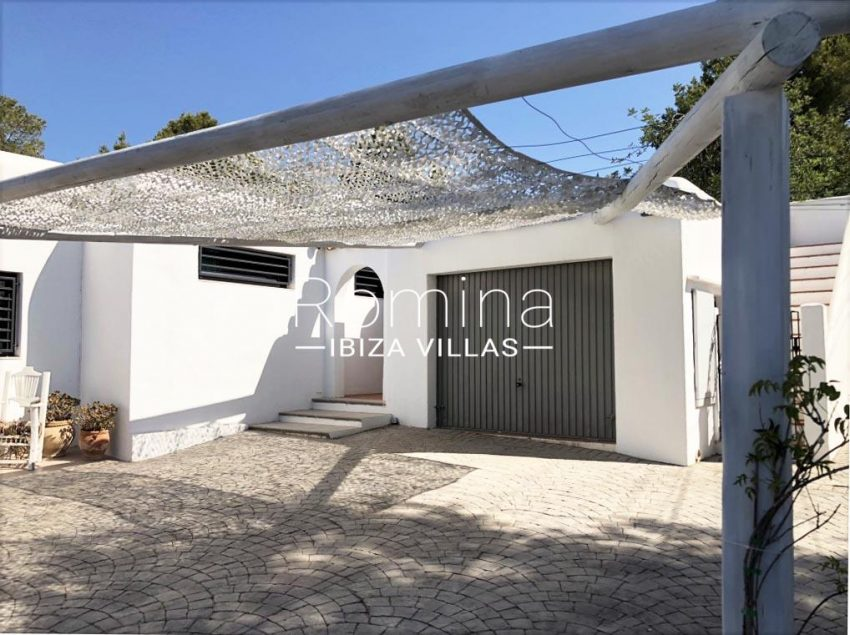 villa berro ibiza-2garage