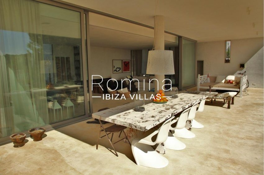 villa design ibiza-2terrace dining area