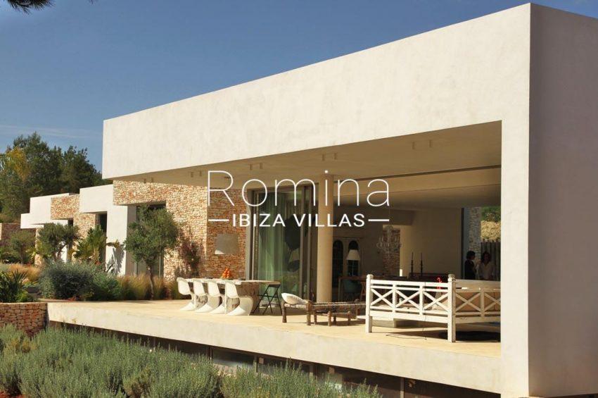 villa design ibiza-2terrace dining sitting area
