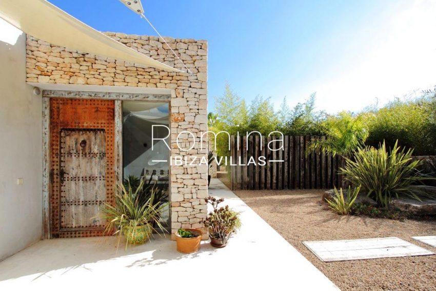 villa design ibiza-2terrace wooden door