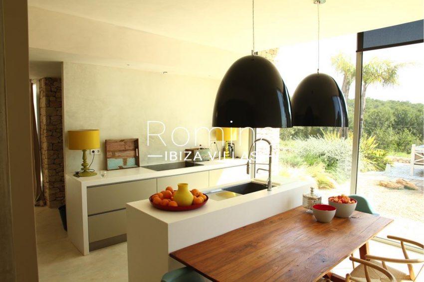 villa design ibiza-3zkitchen view garden