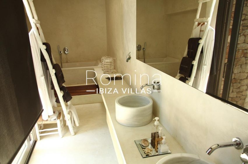 villa design ibiza-5bathroom