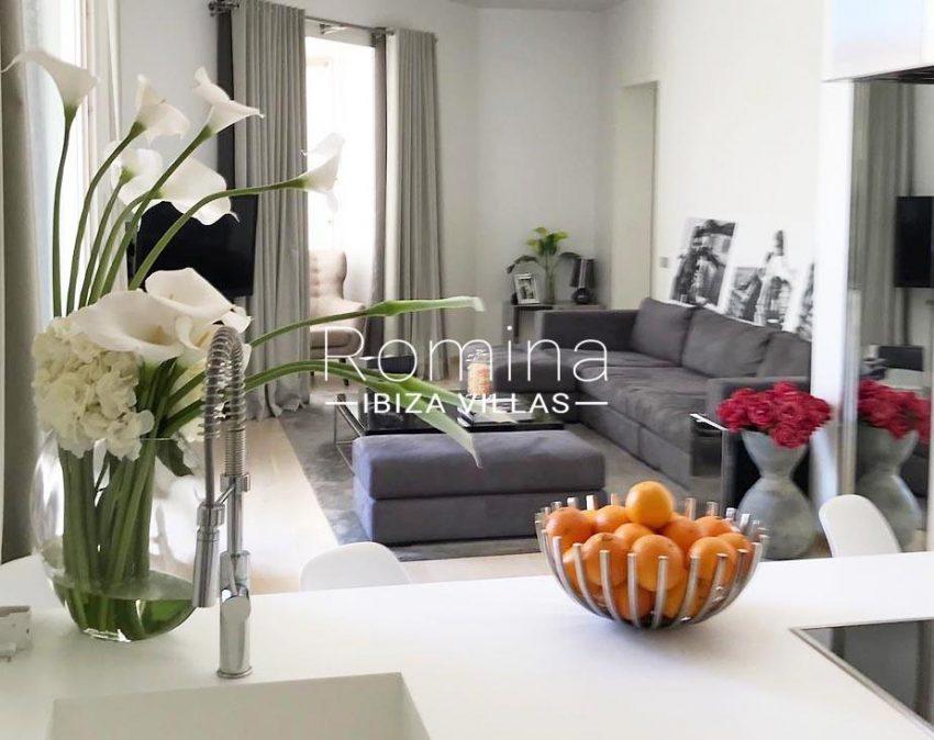 apto vara de rey ibiza-3 living room1