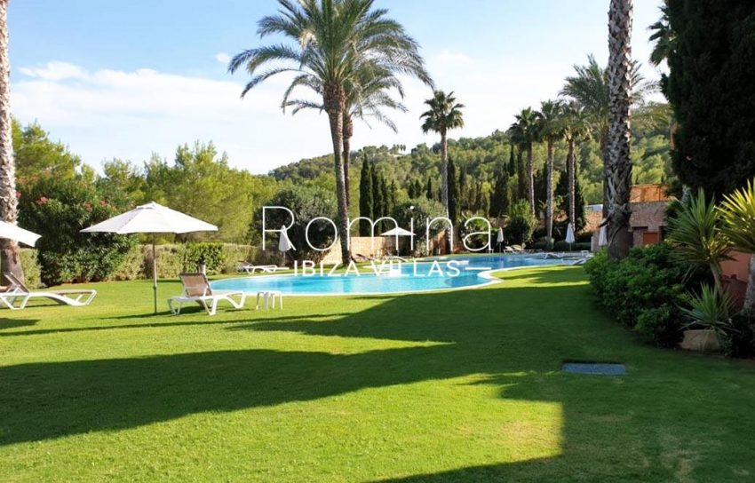 atico golf ibiza-2pool garden2