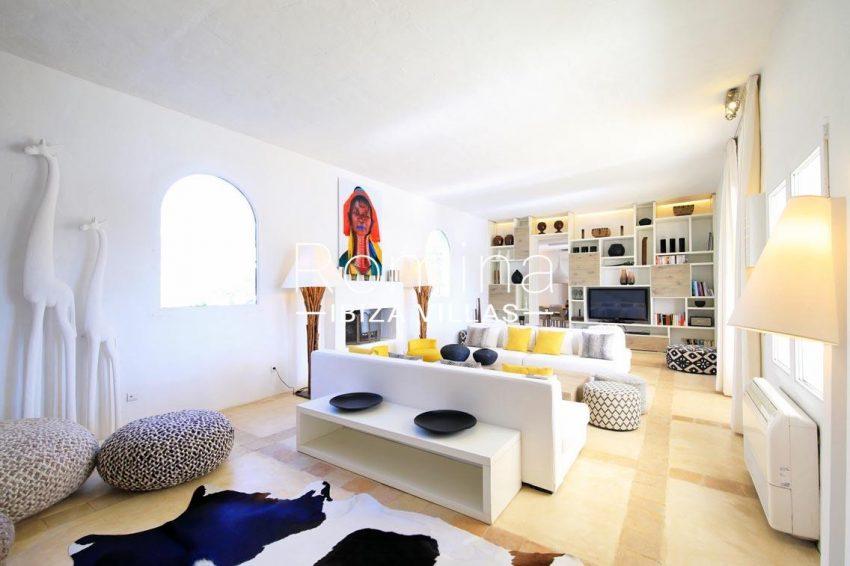 can aloha ibiza-3living room2