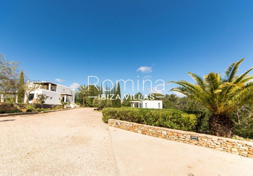 can garri ibiza-2entrance property