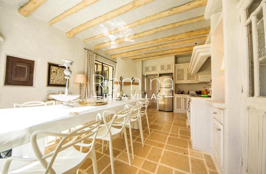 can garri ibiza-3zkitchen dining area4