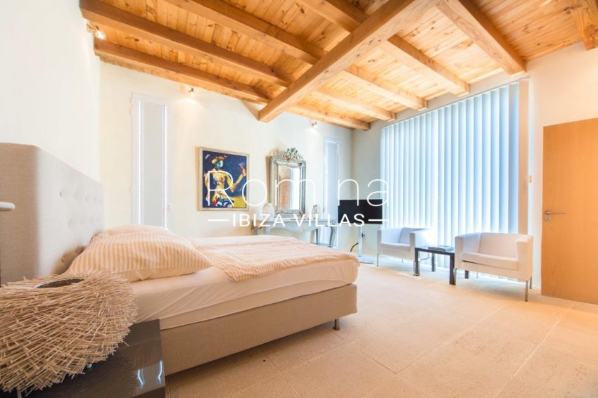 can garri ibiza-4bedroom1 wooden ceiling