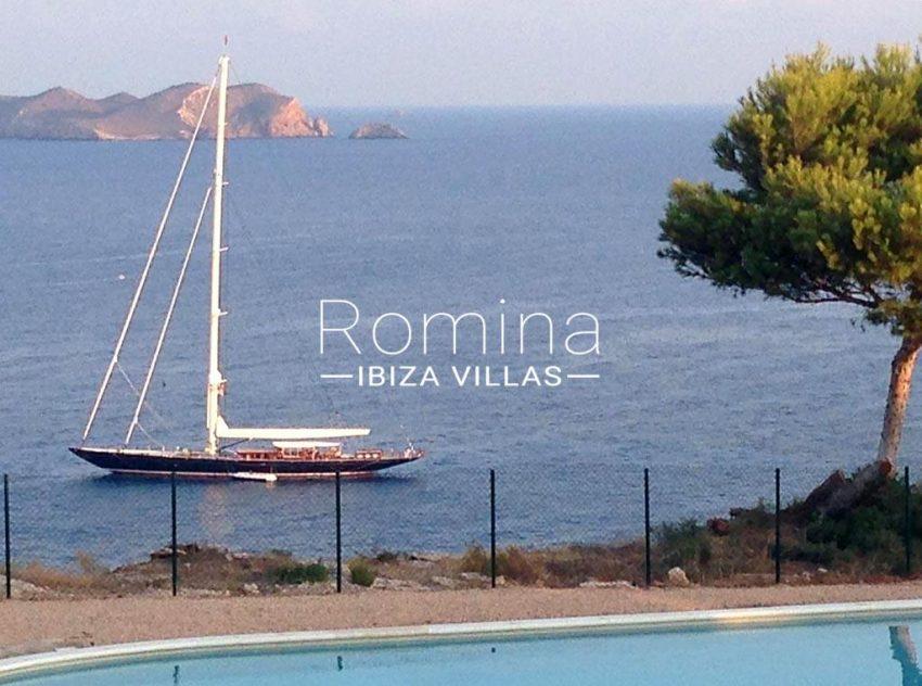 romina-ibiza-villas-rv-878-01-adosado-solis-1sea view boat