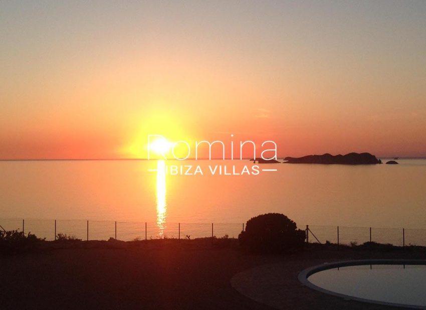 romina-ibiza-villas-rv-878-01-adosado-solis-1sunset