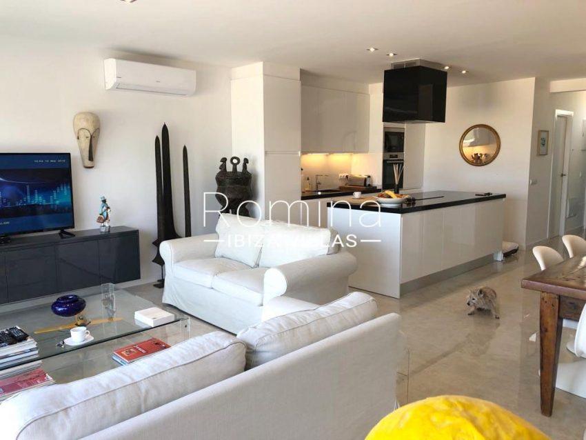 romina-ibiza-villas-rv-878-01-adosado-solis-3living dining room kitchen