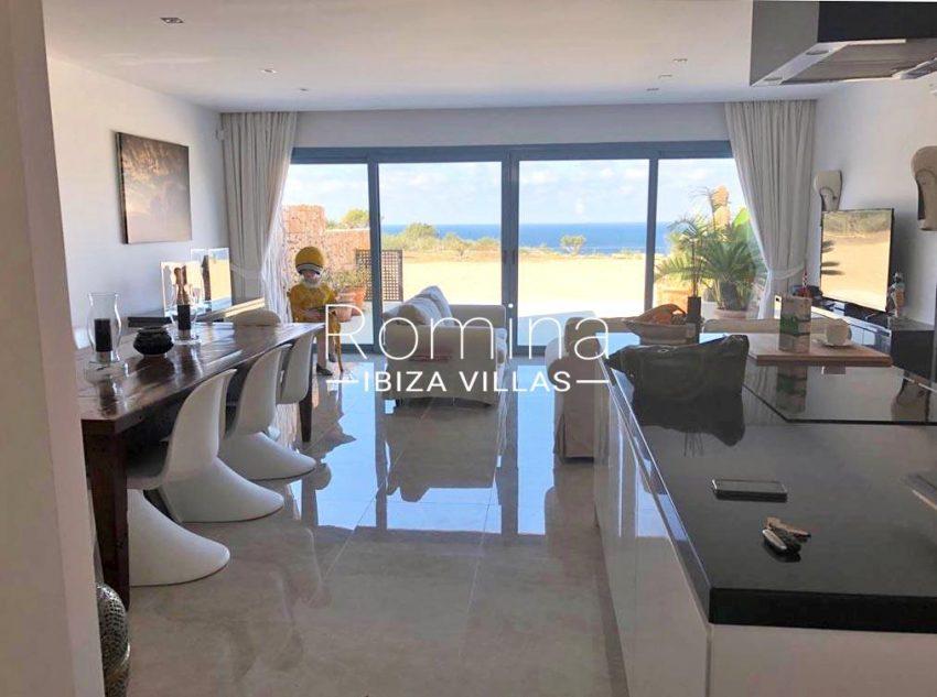 romina-ibiza-villas-rv-878-01-adosado-solis-3living room sea view